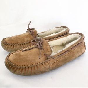 Women's Ugg moccasin slippers 8 camel shearling